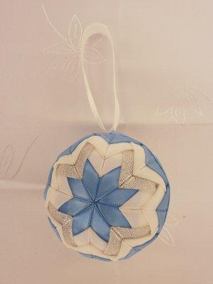 Vianočná guľa - modro-biela