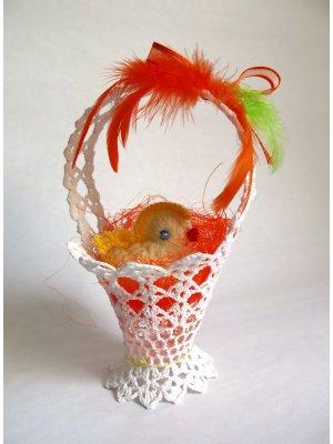 Malý košík so sliepočkou